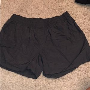 Columbia charcoal gray hiking shorts